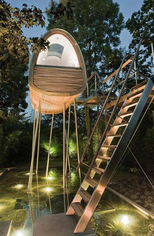 tree_house_8_in_germany